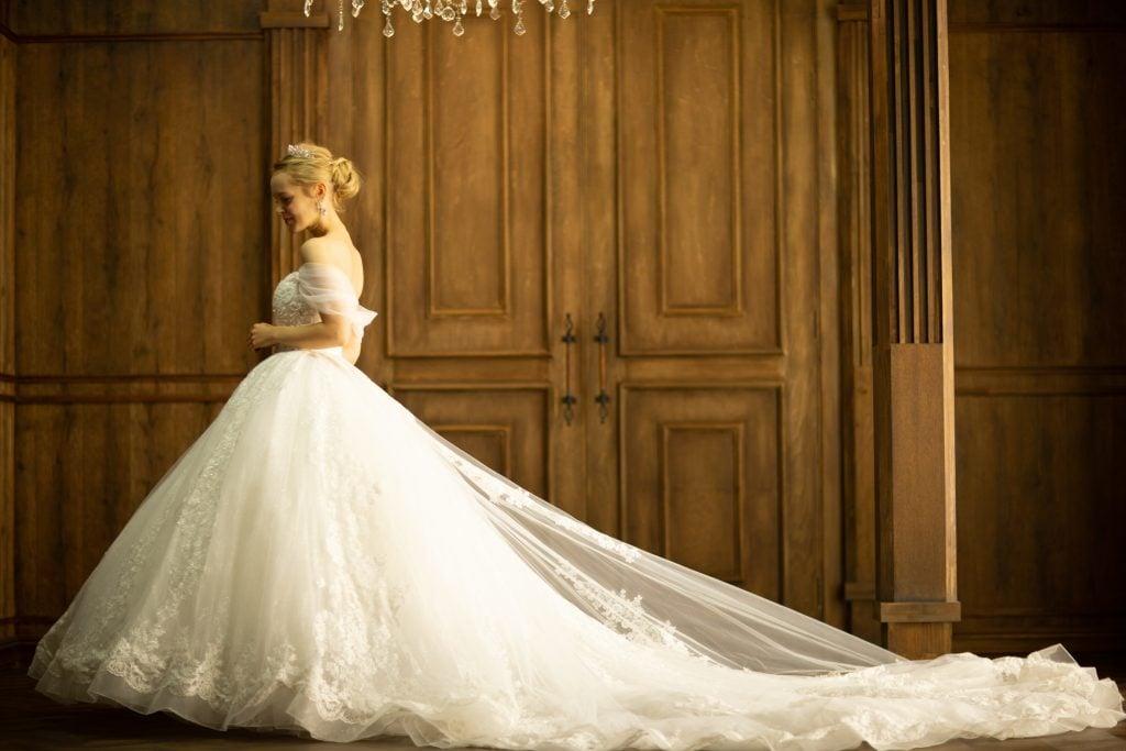 プリンセスラインウェディングドレス