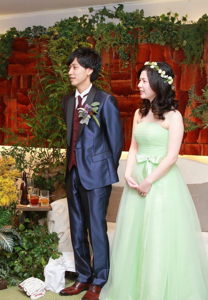 結婚式お色直し メロングリーン スレンダーライン