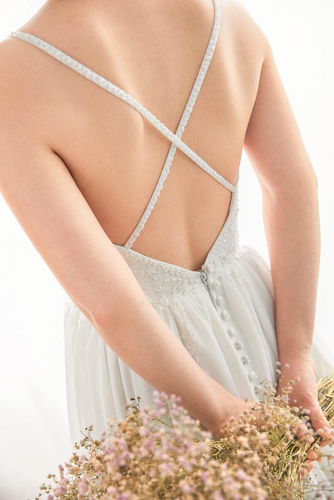 キャミドレス バックレス ウェディングドレス