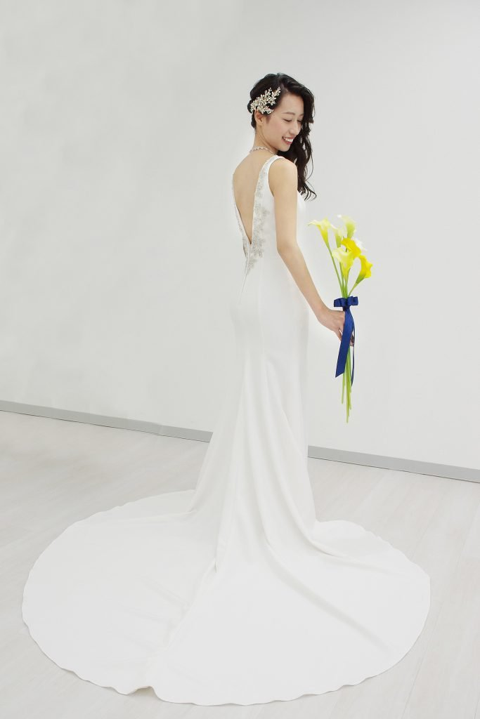 LD5237 エラスティック ファブリック ボートネック ウェディングドレス