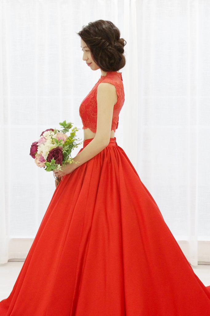 赤いセパレートドレス 結婚式お色直し