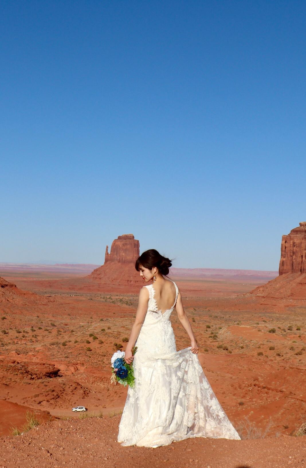 アメリカ モニュメントバレー  セルフ後撮り ウェディングドレス
