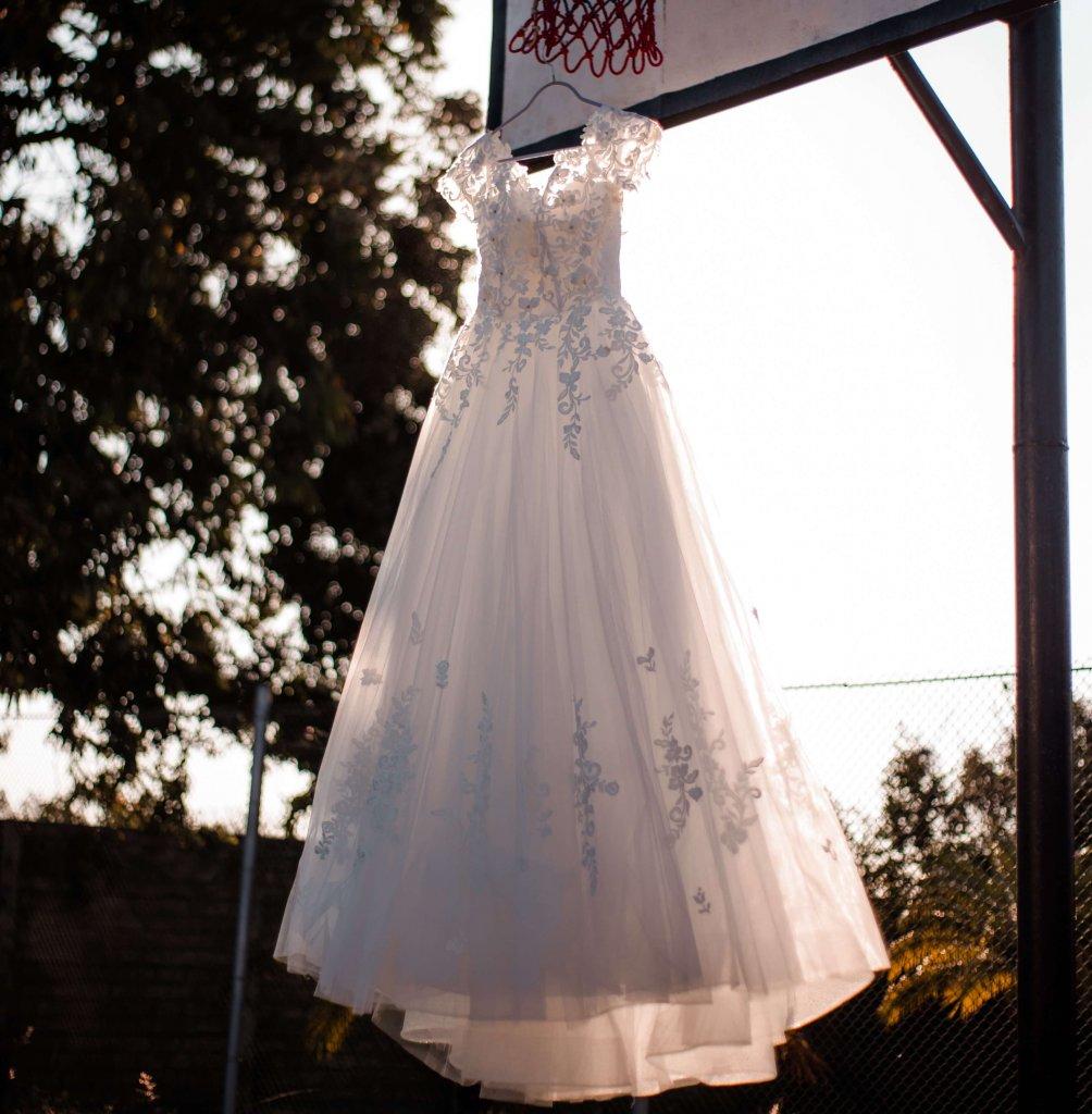 ウェディングドレス オフショルダー インポート風