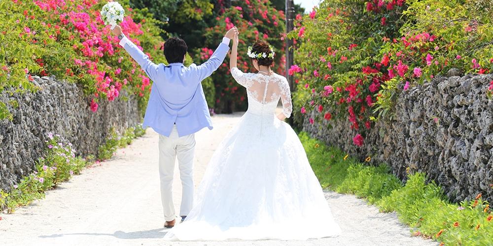 沖縄結婚式 半袖ドレス