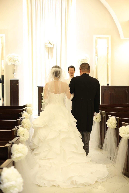 ウェディングドレス 取り外し式トレーン チャペル挙式
