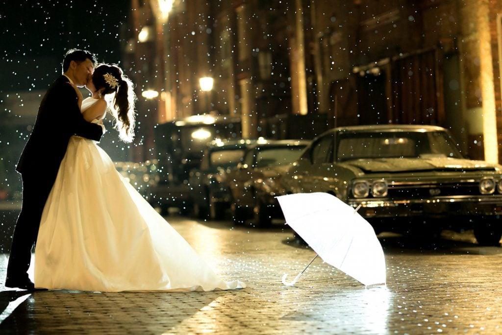 結婚式前撮りの面白いアイデア、先輩花嫁のお写真35例をご紹介