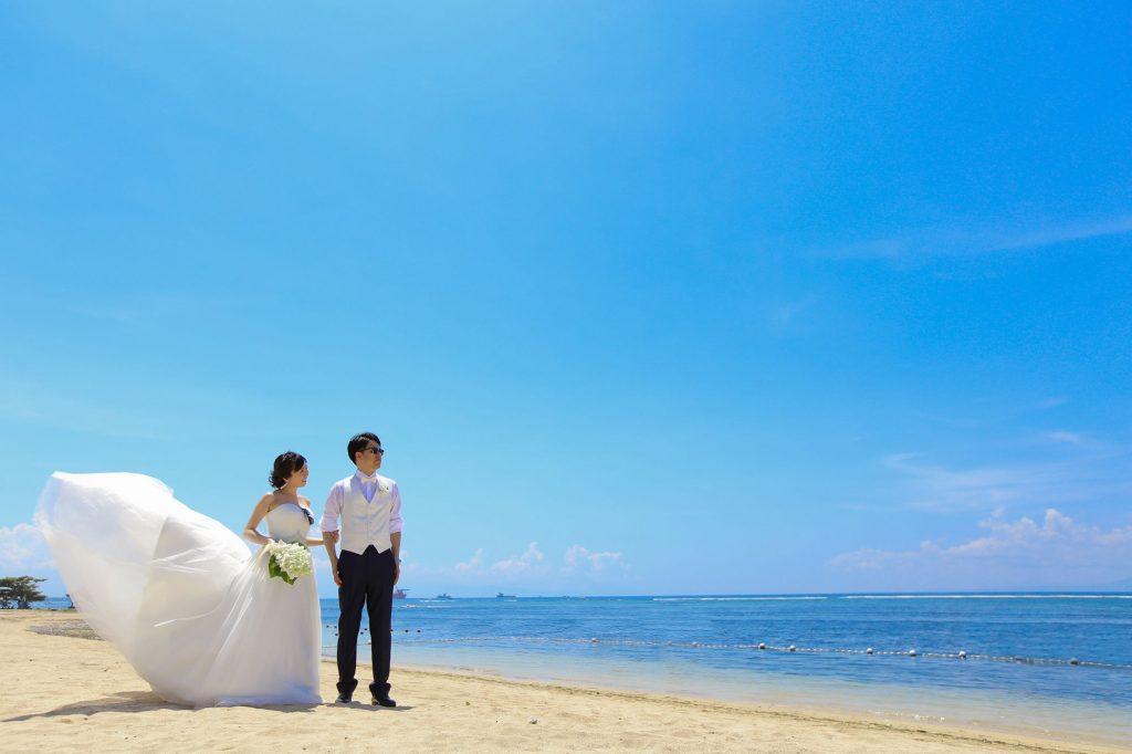 バリ島で二人だけの結婚式 ビーチ撮影