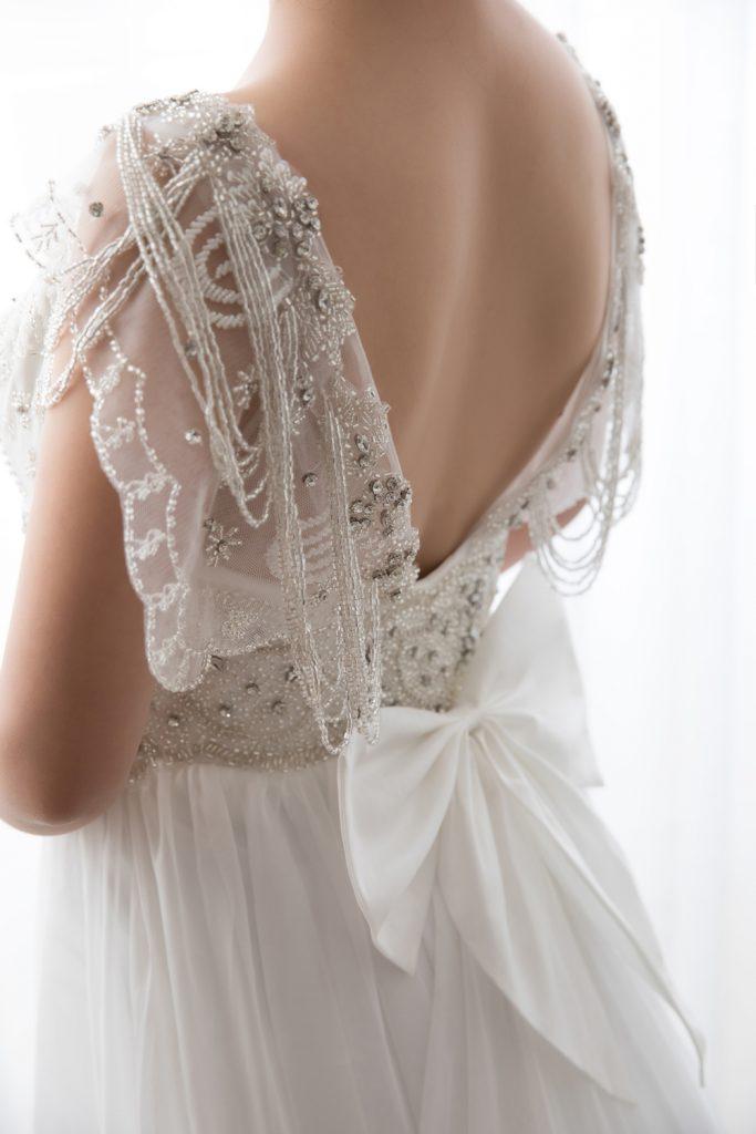 シフォン ストラップ ウェディングドレス