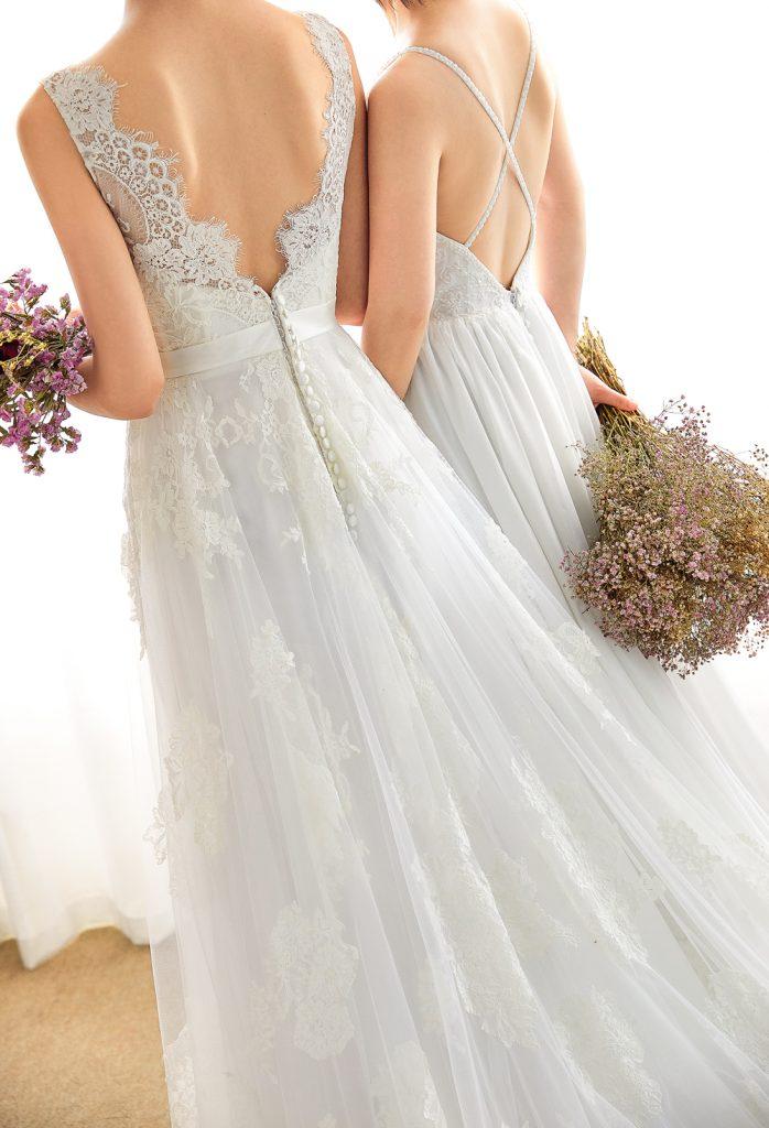 バックレスウェディングドレス シンプル