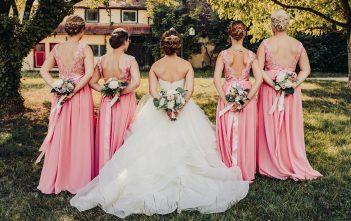 ブライズメイドドレス ピンク 欧米の結婚式