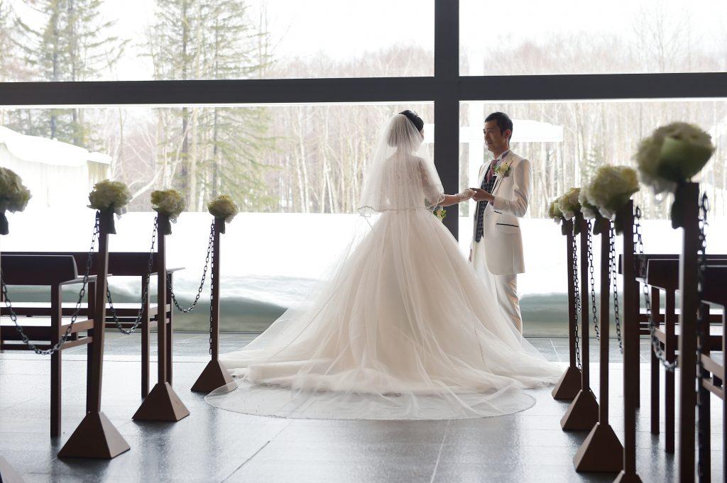 星野リゾートトマム 水の教会 結婚式 冬婚