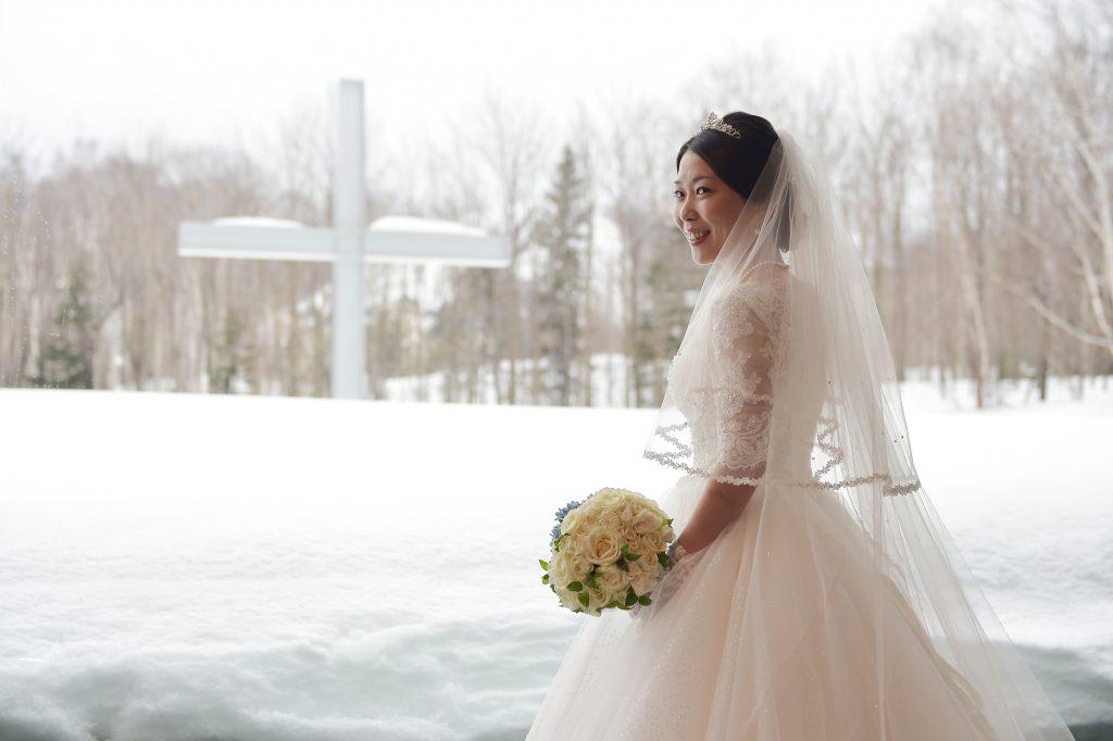 北海道 冬 結婚式 袖付きドレス