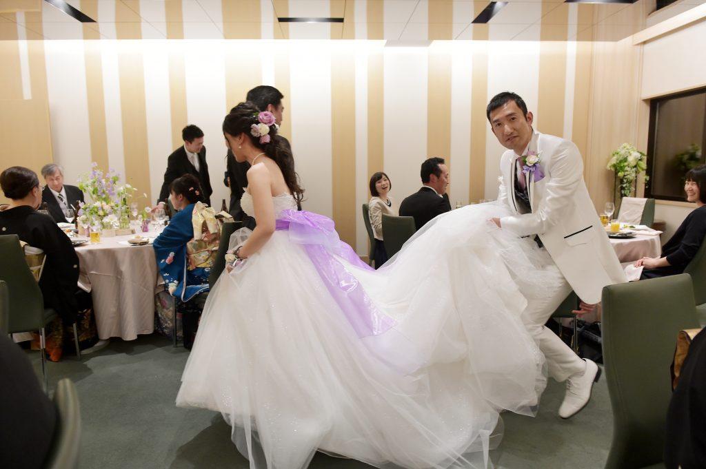 星野リゾートトマム 水の教会 結婚式 ウェディングドレス サッシュベルト