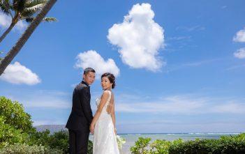 ハワイウェディング バックレスドレス パパママ婚