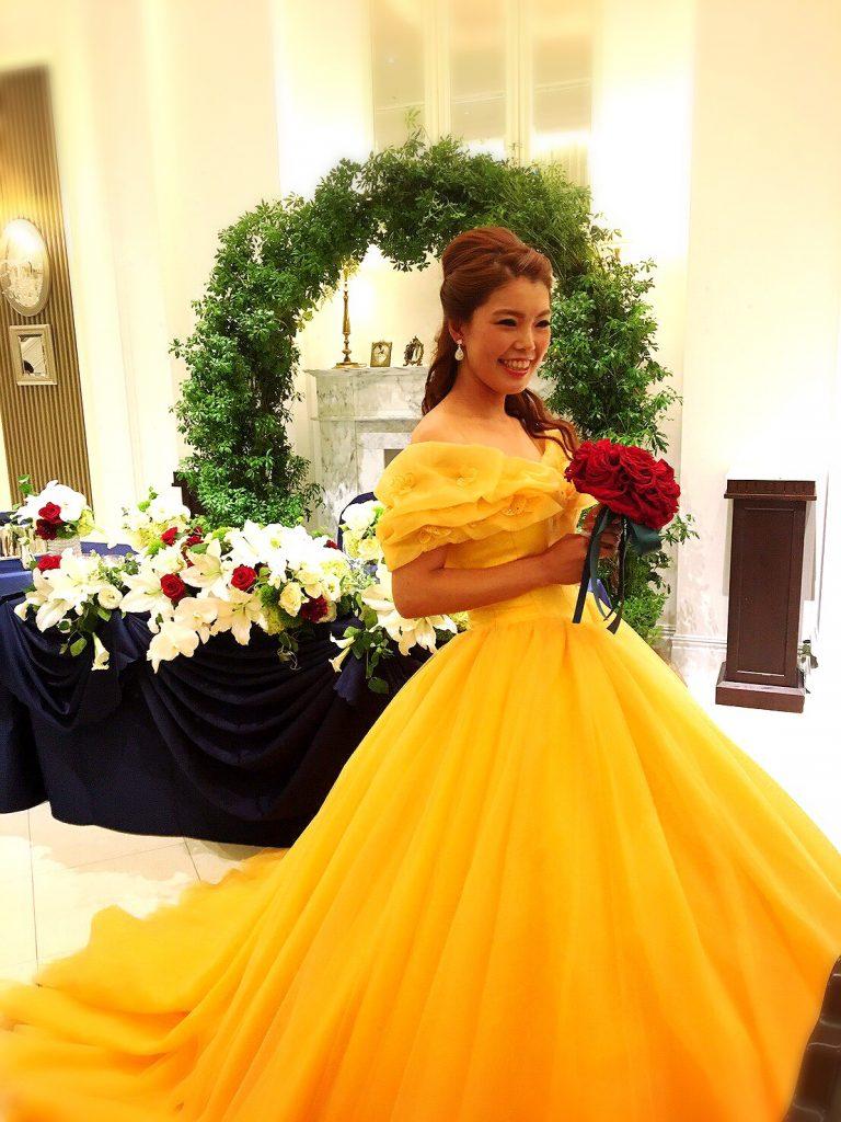 美女と野獣 結婚式 黄色ドレス