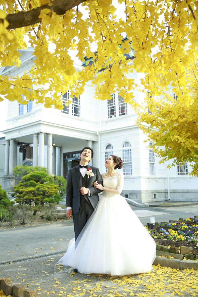 冬の結婚式 プリンセスラインウェディングドレス