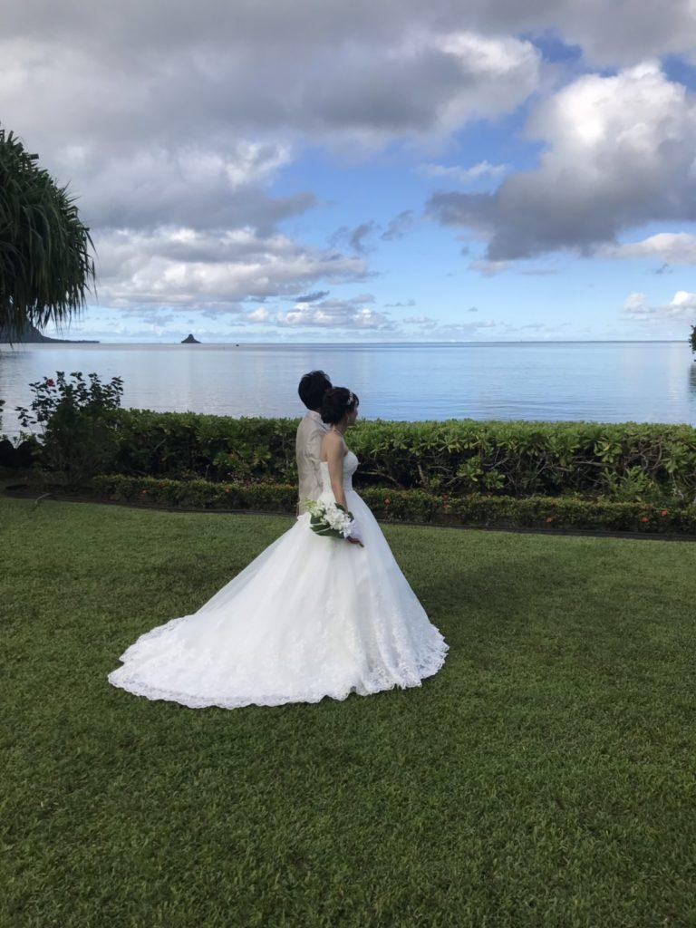 ハワイ挙式 ビーチ撮影 ウェディングドレス シャンパンサッシュベルト