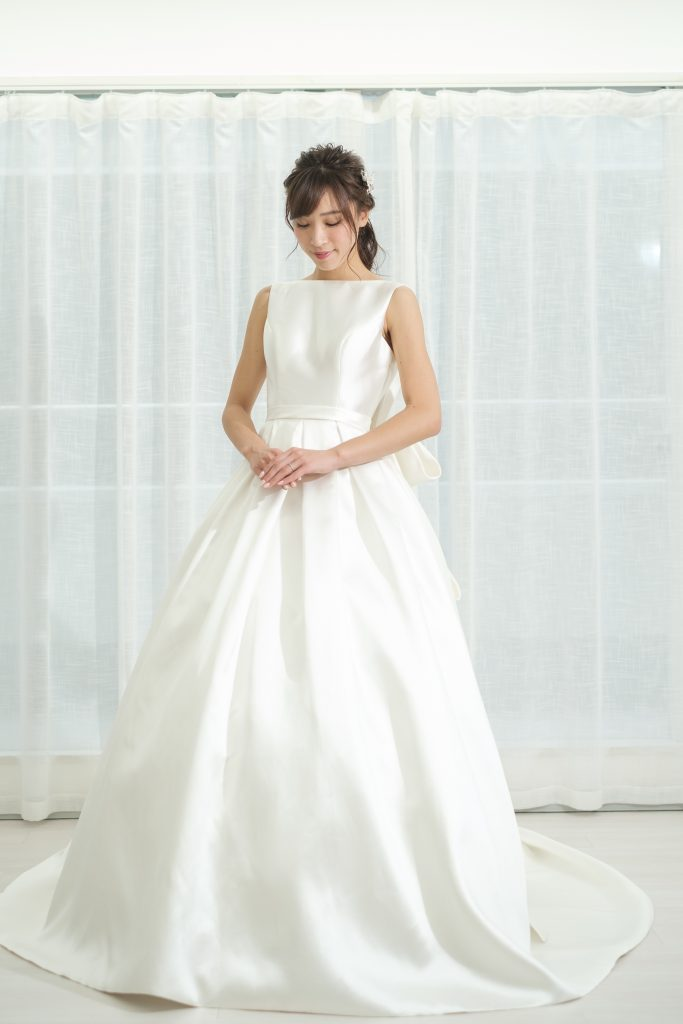 オードリーヘップバーン風ウェディングドレス クラシカル
