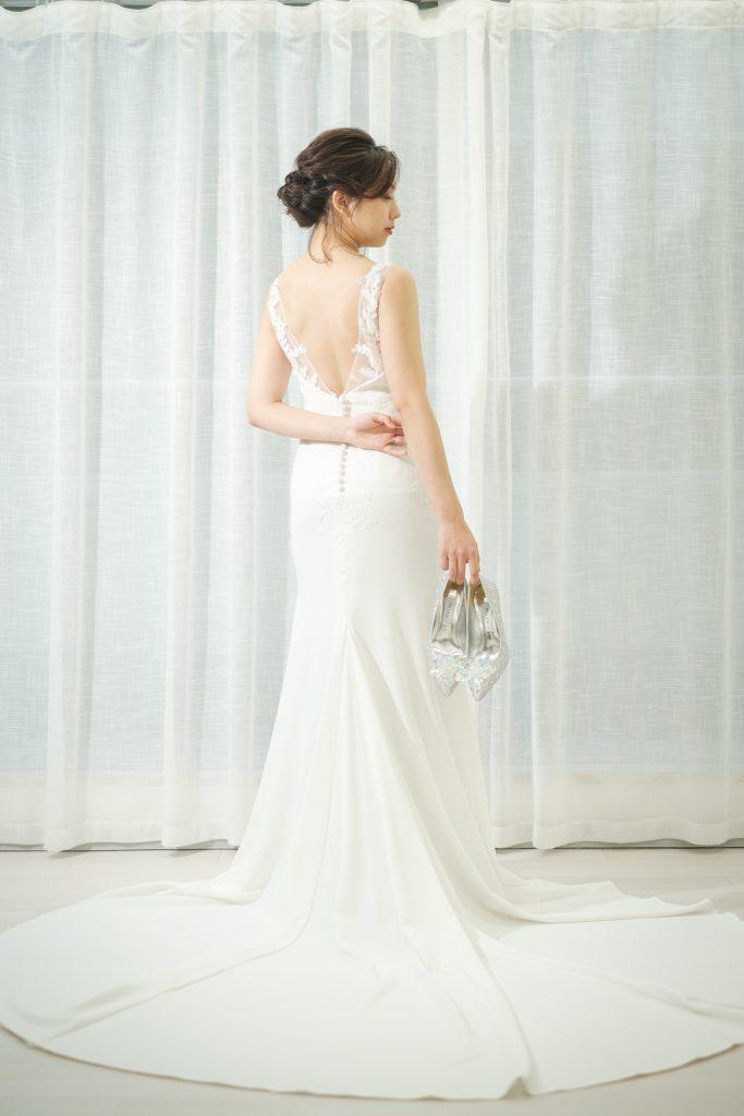 バックレスウェディングドレス マーメイド