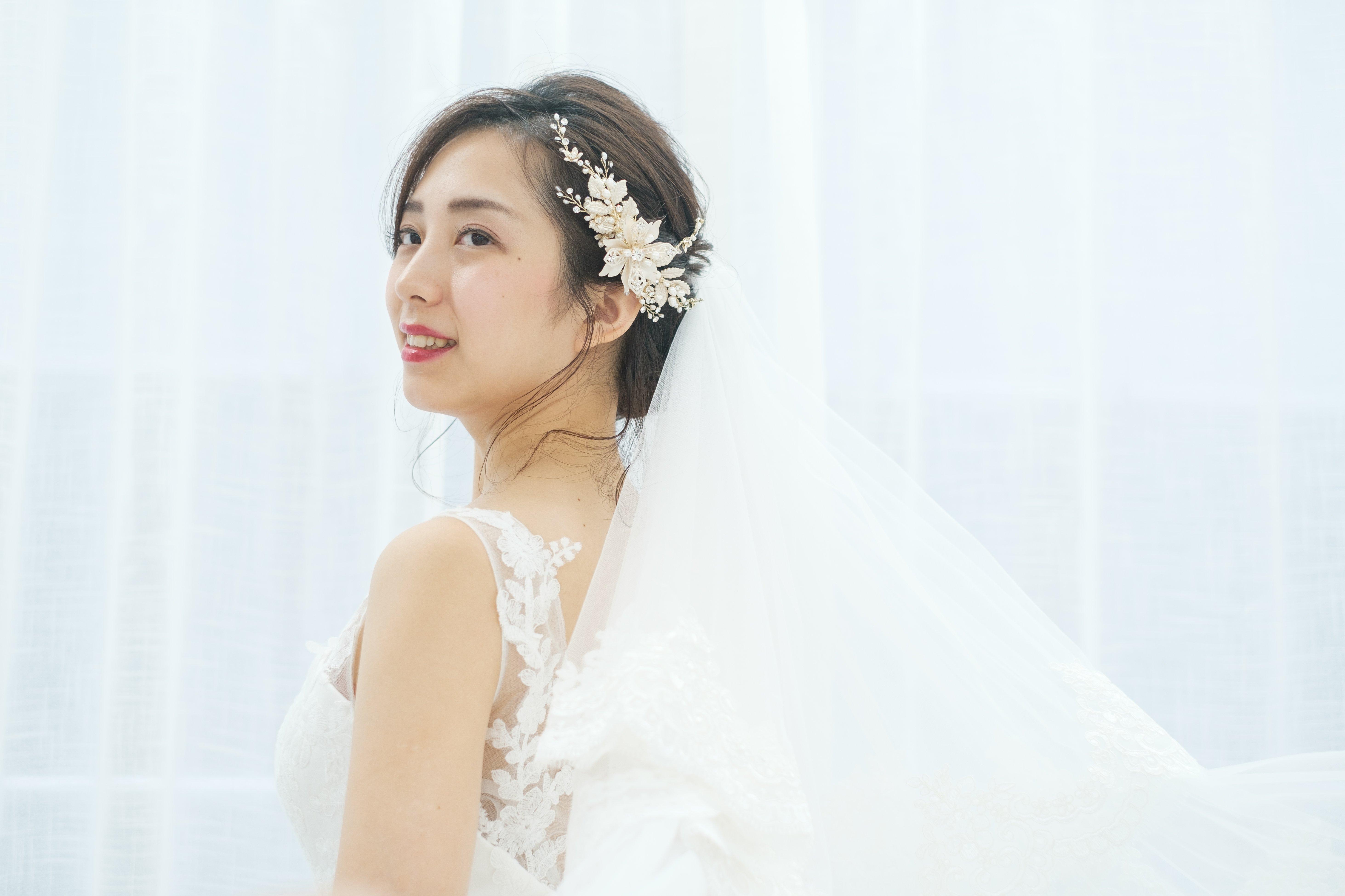 4934d0a24b7bf ウェディングドレスに似合う花嫁髪型とは?ドレス種類別で紹介! - Cocomelodyマガジン