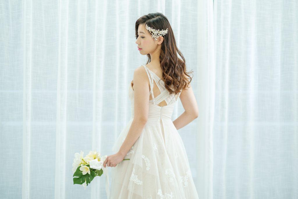 シャンパンカラードレス 東京 ウェディングドレス 髪型