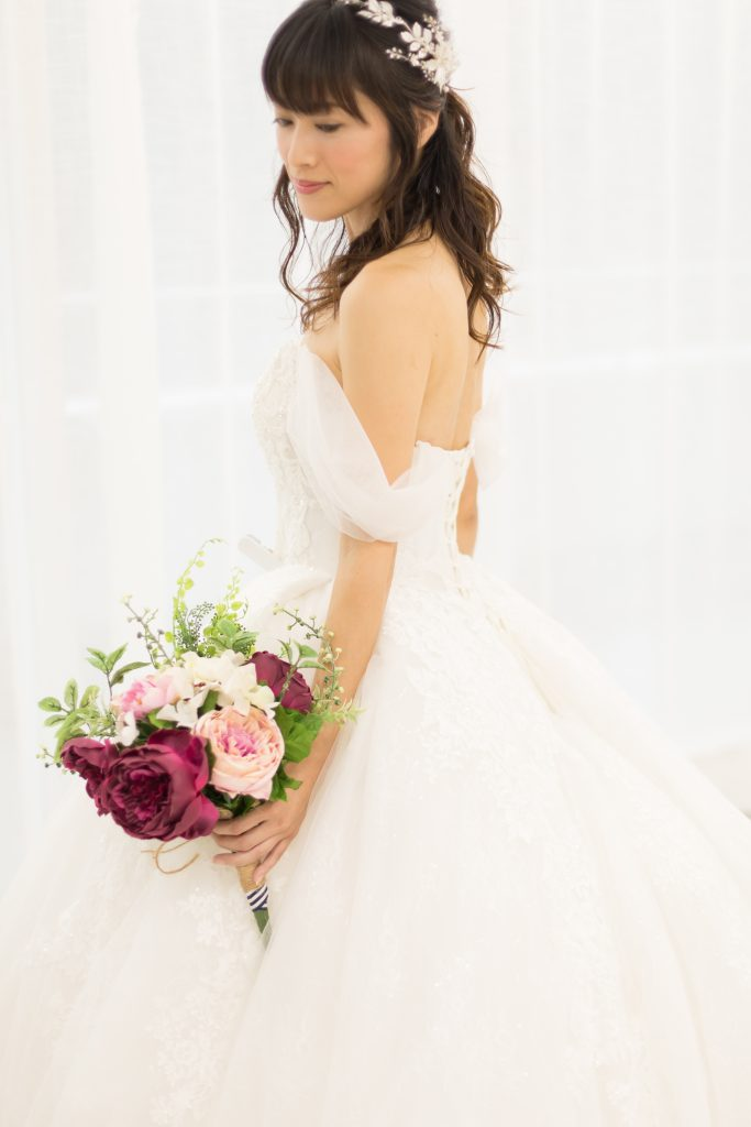 プリンセスラインドレス 花嫁 髪型