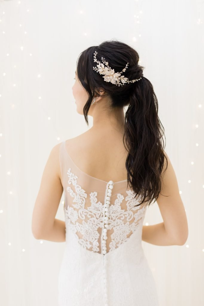 マーメイドウェディングドレス 刺繍バック ヘアスタイル