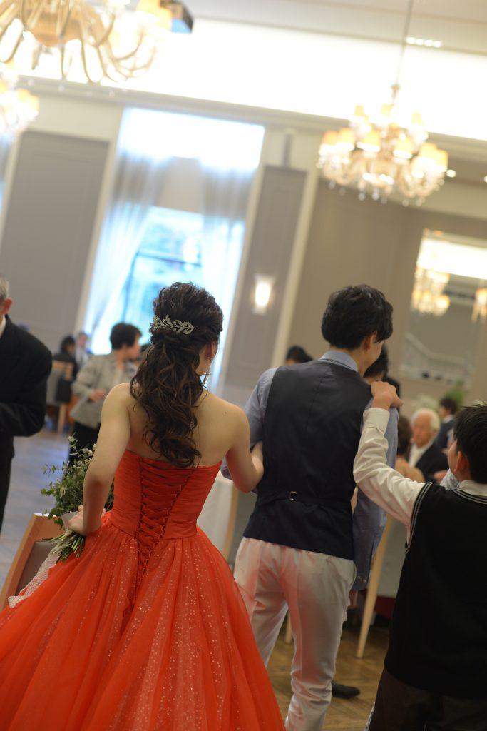 カラードレス 赤 キラキラ