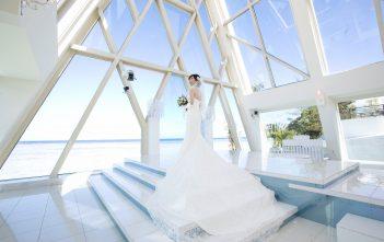 グアム ブルーアステール チャペル挙式 マーメイドドレス ロングトレーン