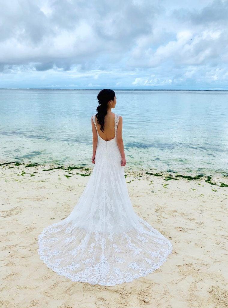 グアム挙式 ビーチ撮影 ウェディングドレス