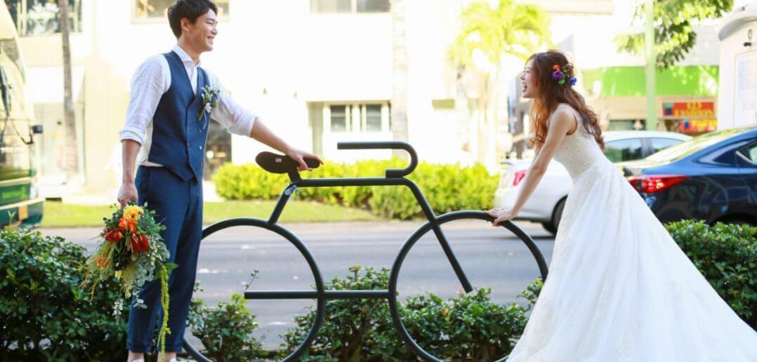 ハワイ/パラダイスガーデン・クリスタルチャペル 結婚式 ウェディングドレス Aライン vネック