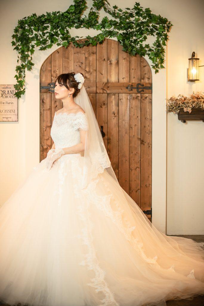 結婚式前撮り カフェ空間 ウェディングドレス ボレロ