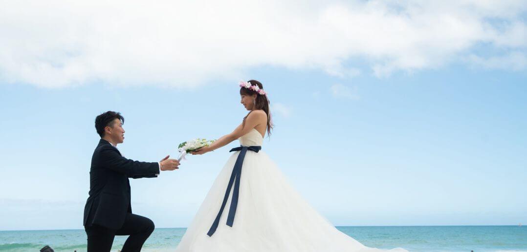 ハワイ ウェディングフォト ビーチ撮影 ドレス