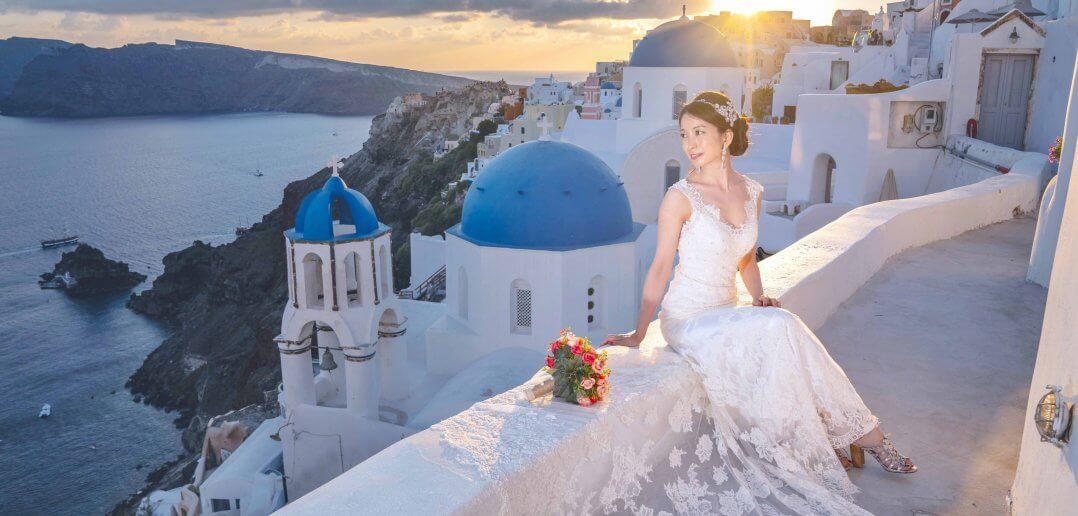 ギリシャ サントリーニ島 ウェディング後撮り バックレスドレス