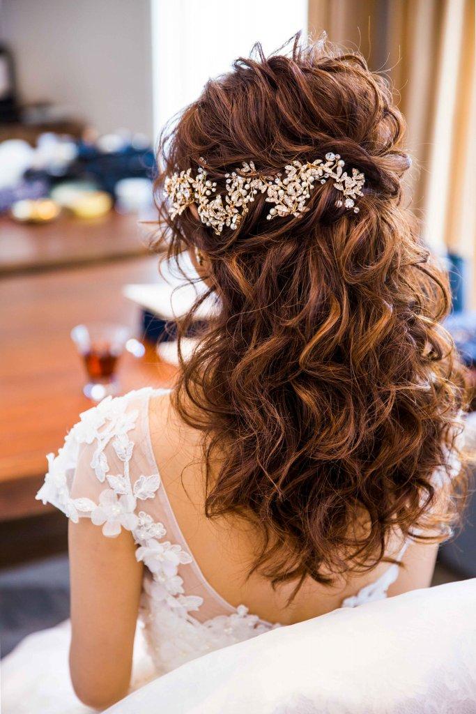 Restaurant LUKE with SKY LOUNGE  結婚式 ウェディングドレス 大人かわいい 髪形