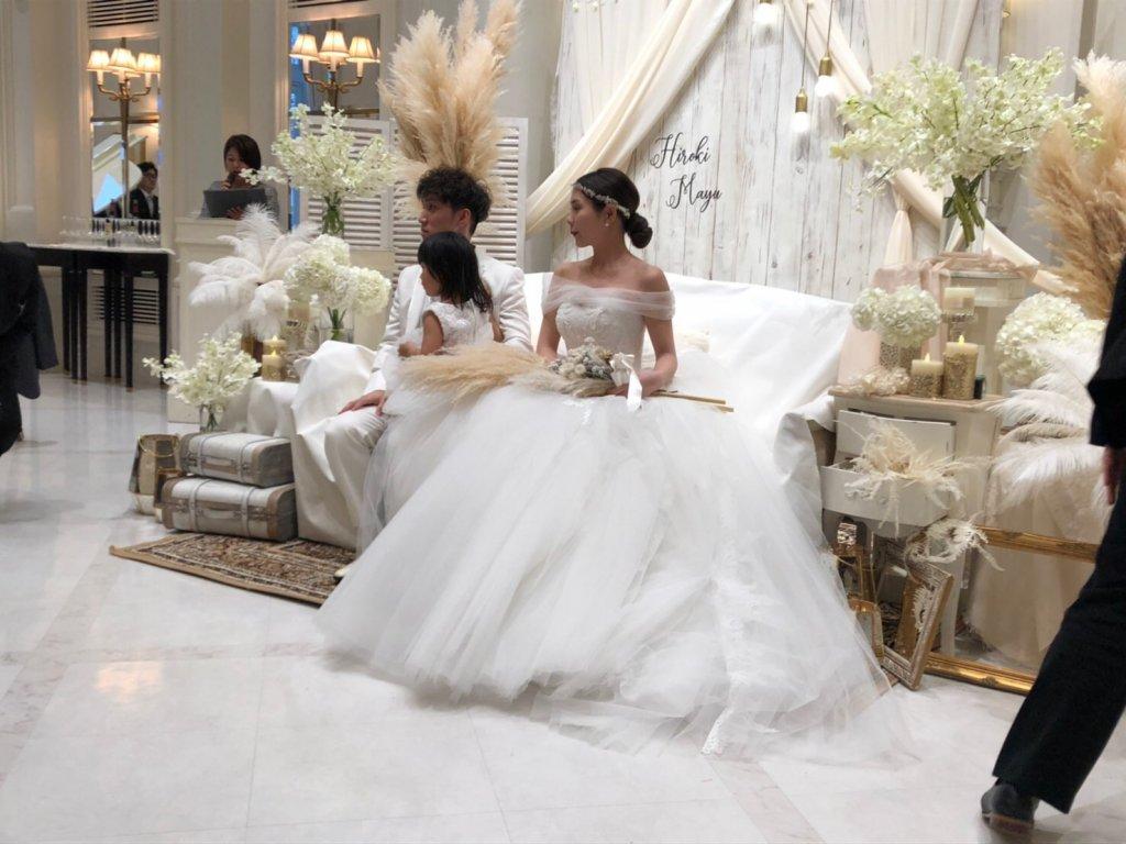 アーフェリーク迎賓館小倉 結婚式 ウェディングドレス オフショルダー