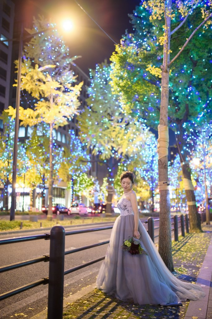 結婚式前撮り 丸の内 カラードレス グレー