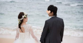 沖縄結婚式 ウェディングドレス ビーチフォト