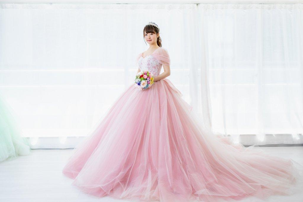 くすみピンク カラードレス ボリューム