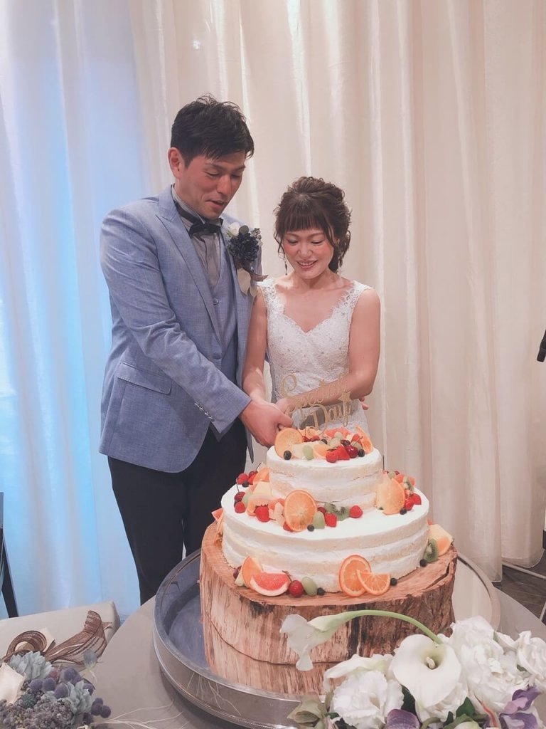 結婚式 披露宴 ウェディングドレス ケーキ入刀