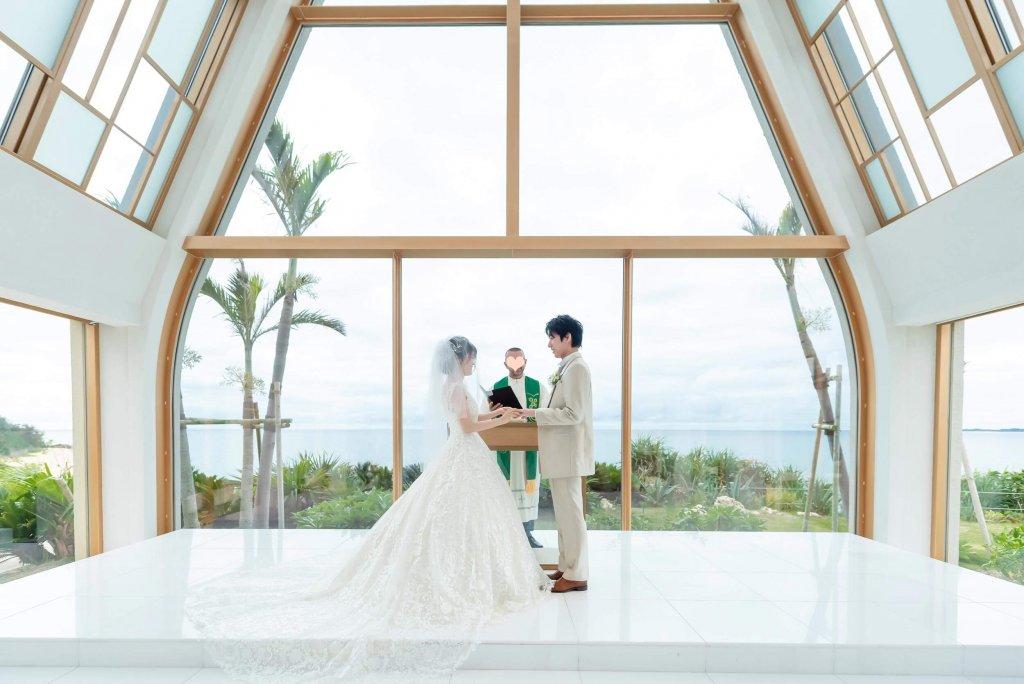 沖縄挙式 美らの教会 チャペル式 ウェディングドレス Aライン