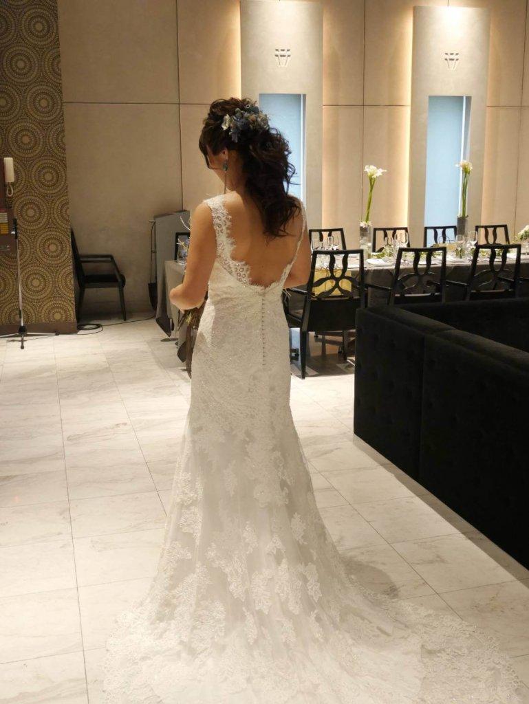 結婚式 披露宴 ウェディングドレス バックレスドレス