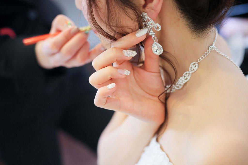 アールベルアンジェNagoya 結婚式 ウェディングドレス アクセサリー