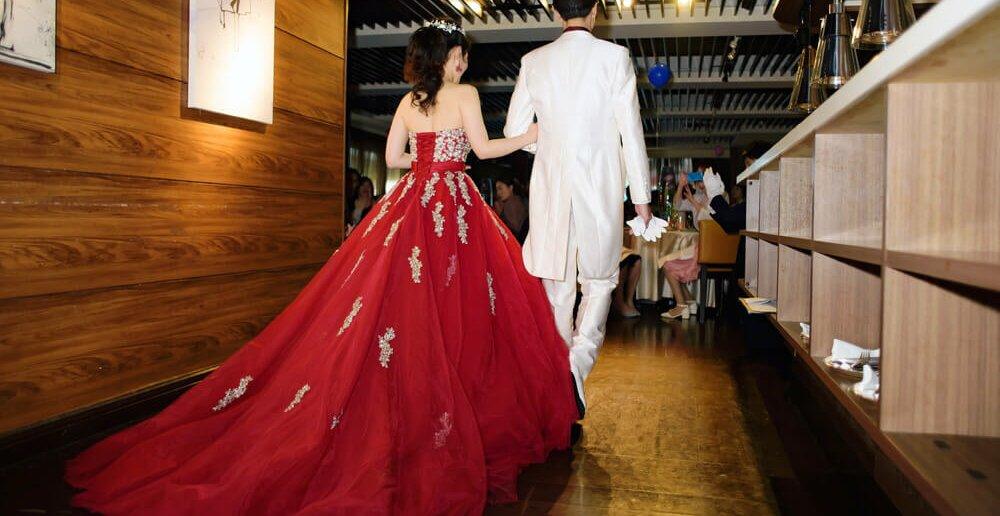 BALCONY RESTAURANT & BAR 結婚式二次会 カラードレス 赤