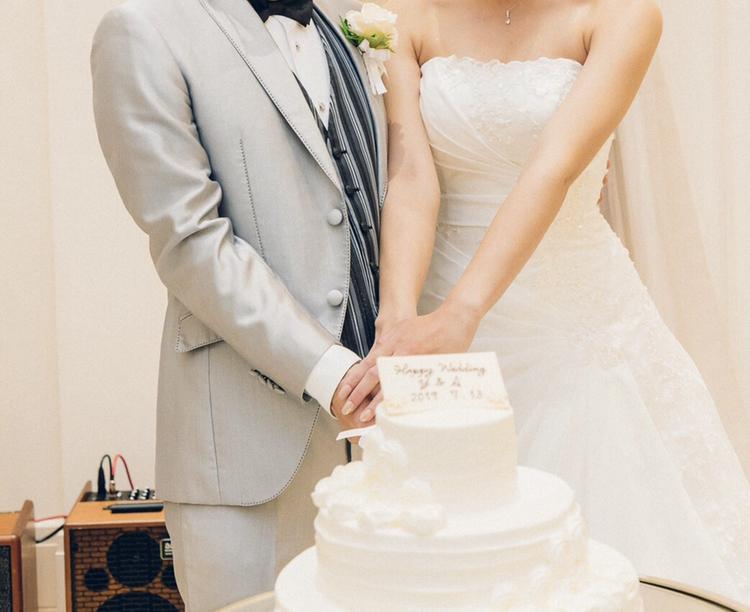アニヴェルセル江坂 結婚式 ウェディングドレス ケーキ入刀